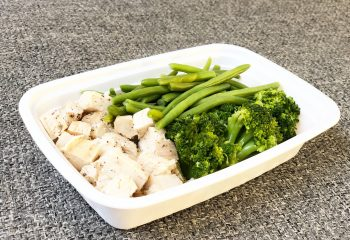 Chicken, green beans, broccoli