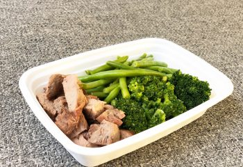 Tenderloin steak, green beans, broccoli
